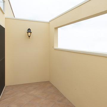 case008_balcony