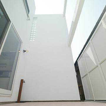 case132_balcony