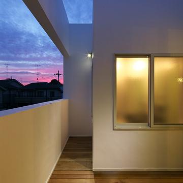 case068_balcony
