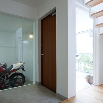 case072_garage