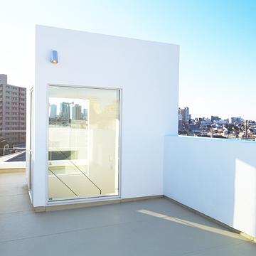 case104_balcony